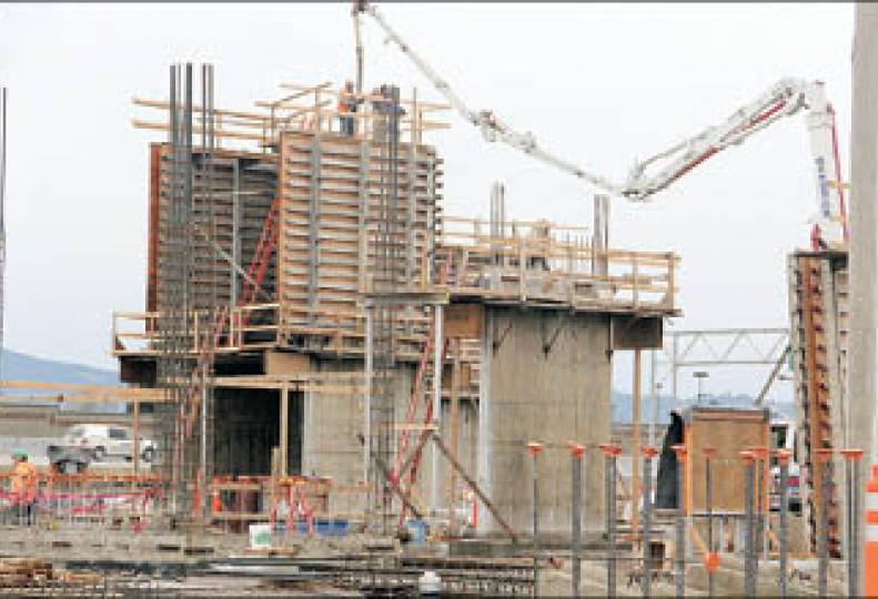 New medical complex rises in Valley - art only